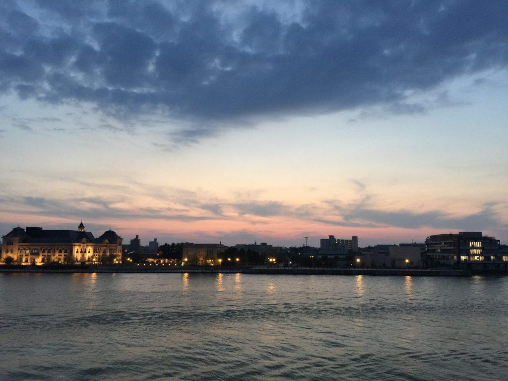 佐渡汽船から眺める新潟港