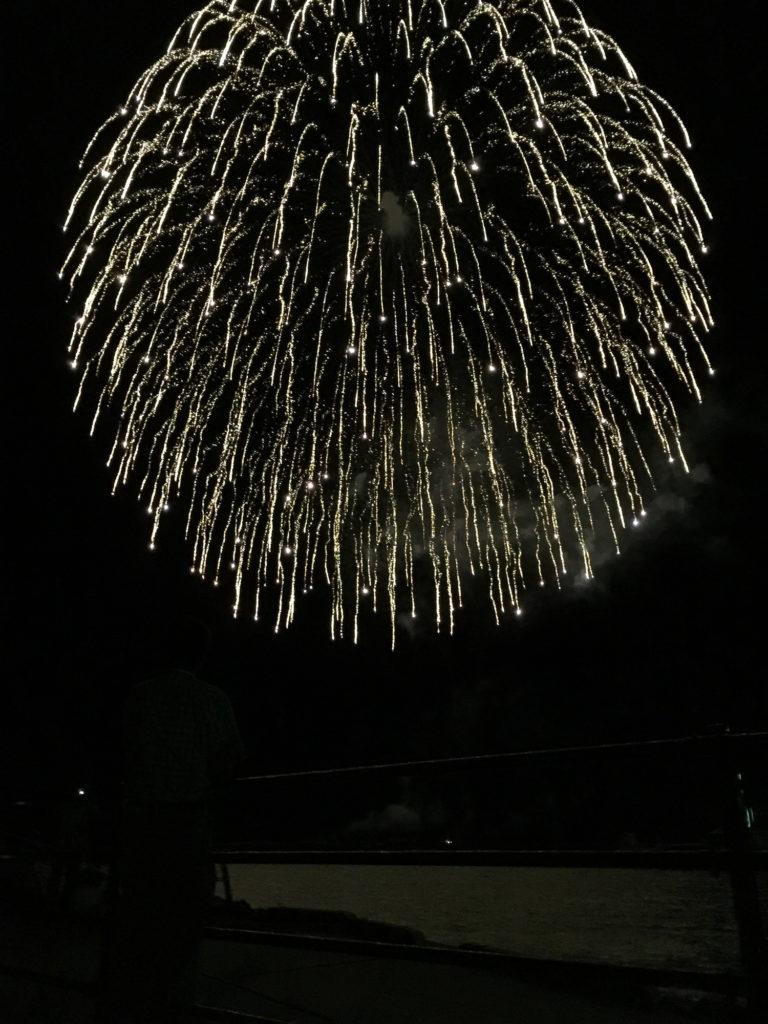 小木港で見る花火