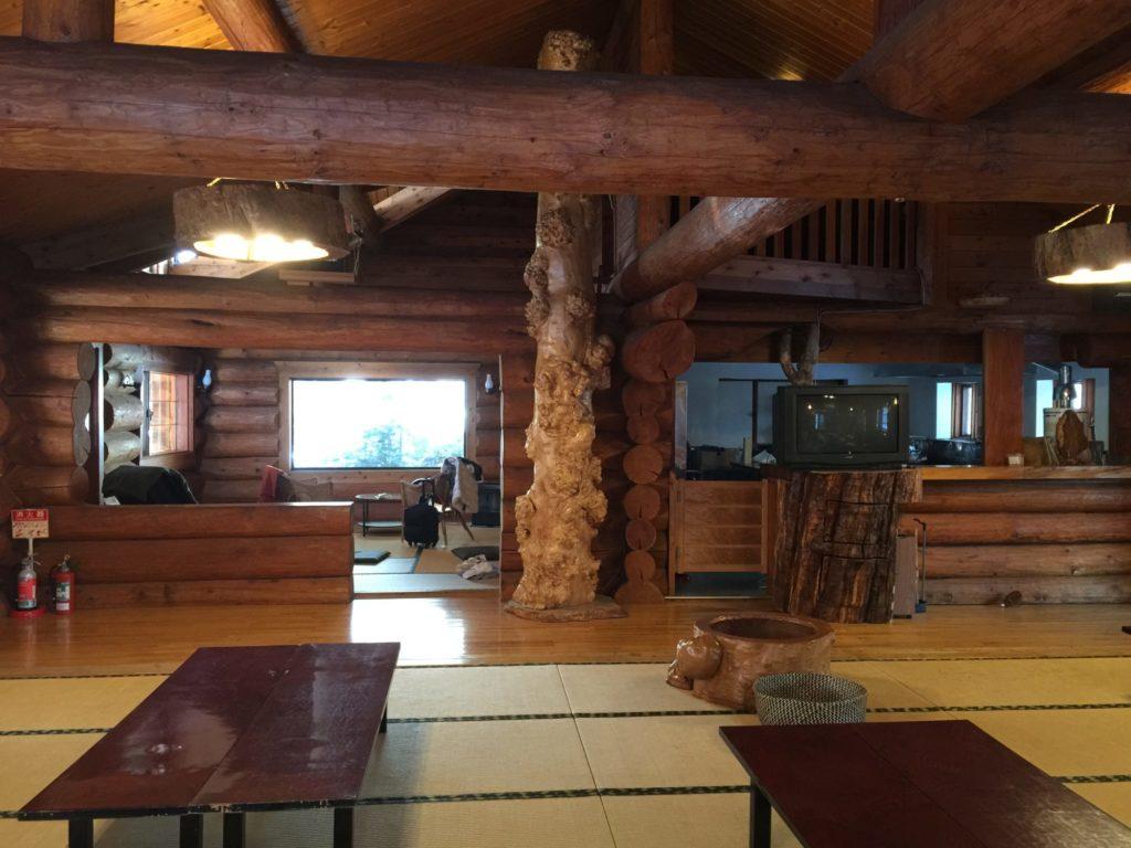 八丁湯のレストハウス