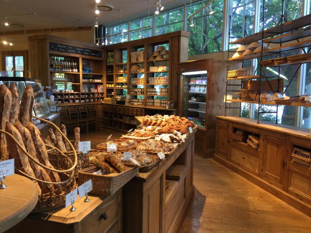 ル・パン・コティディアン 芝公園店のパン売り場