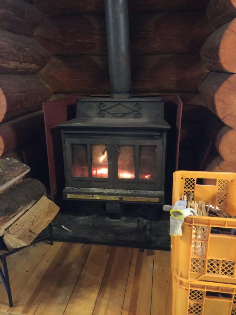 八丁湯のレストハウスの暖炉