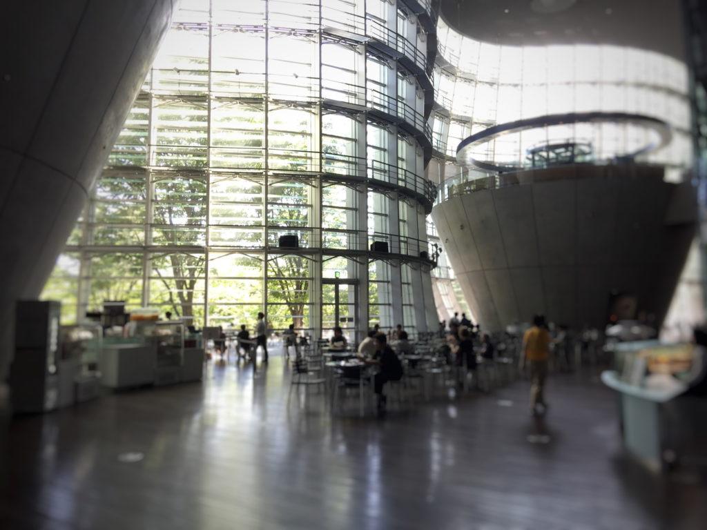 新国立美術館の内観