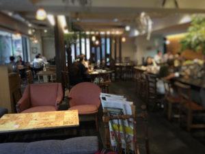 麹町カフェの店内