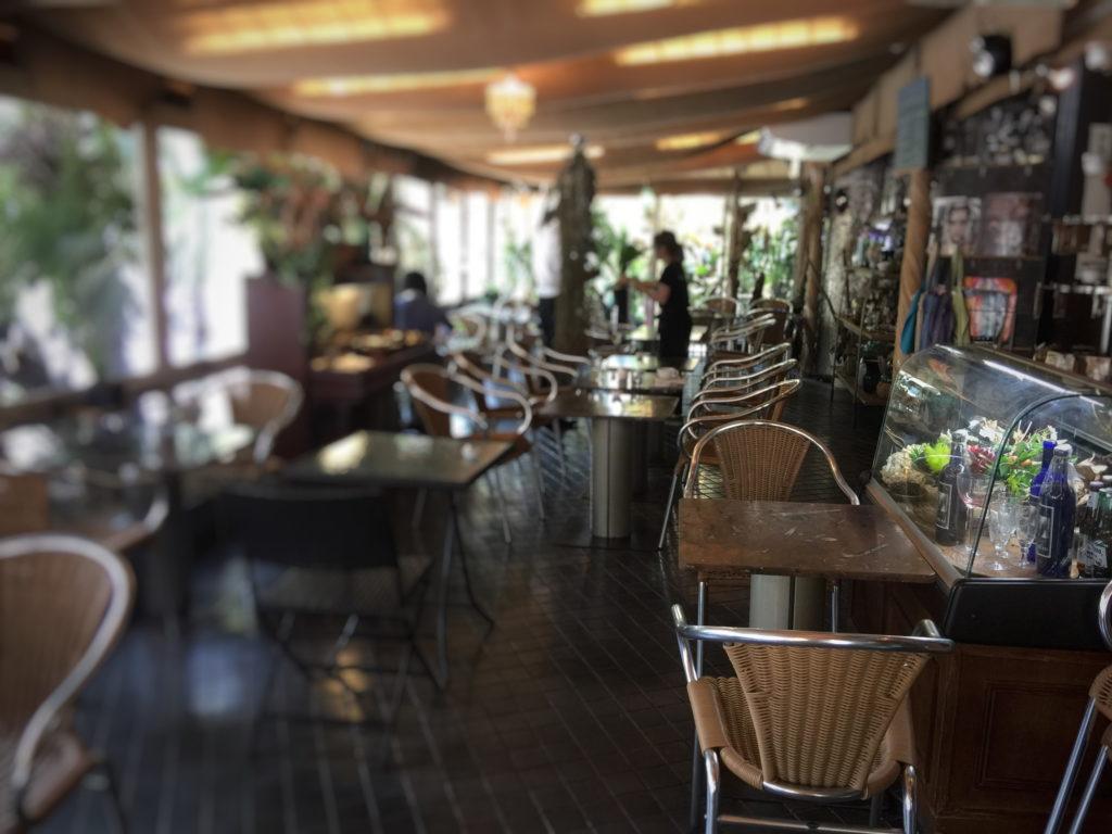 ル・カフェ・ドゥ・グランブルー店内の様子