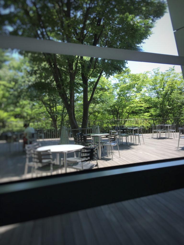 新国立美術館内のカフェコキーユ