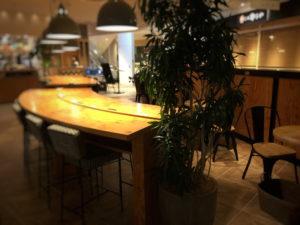 ハンズカフェ店内の大きなテーブル