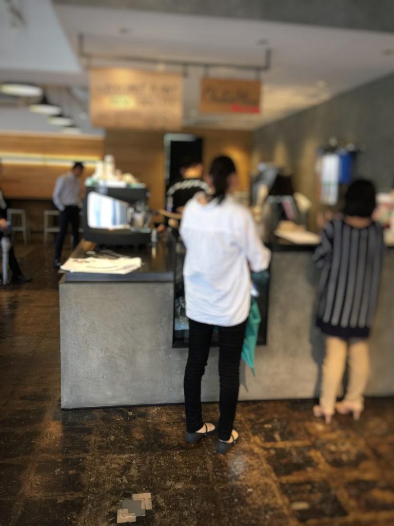 ストーリーマーコーヒーカンパニー茅場町店の店内レジ