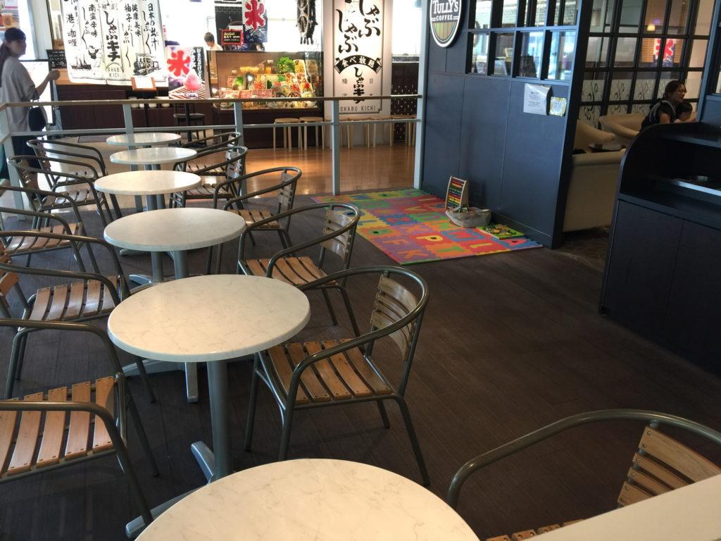 タリーズコーヒー マークイズみなとみらい店のキッズスペース