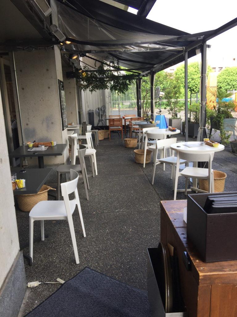 グッドモーニングカフェのテラス席その2