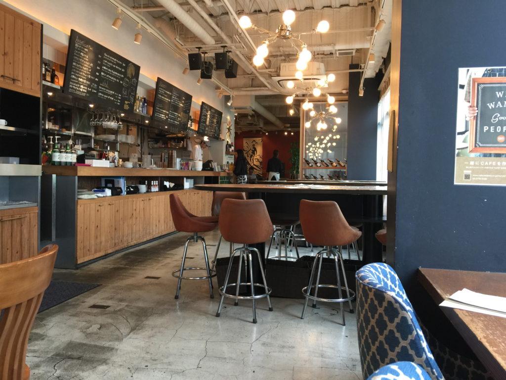 五反田WIRED CAFEの高いテーブル席