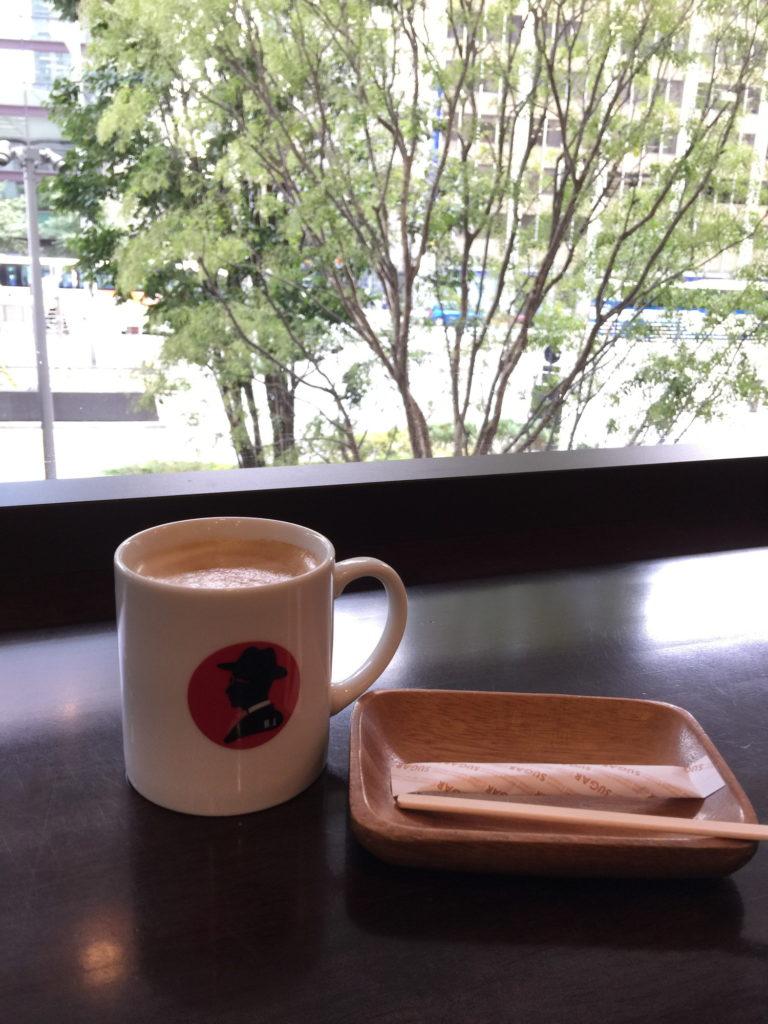 エール・エル ワッフル カフェ グランルーフ店のカフェラテ