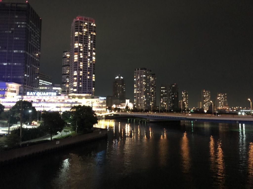 横浜そごうから日産へ歩く橋から見る夜景
