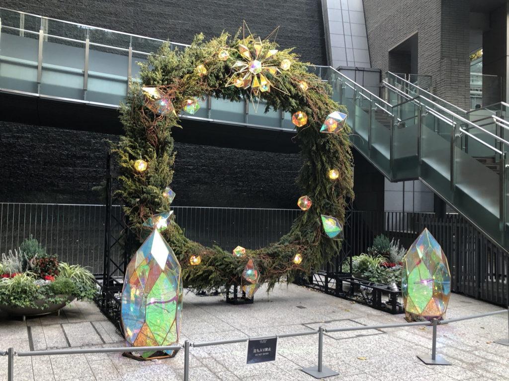 六本木一丁目駅の巨大クリスマスリース