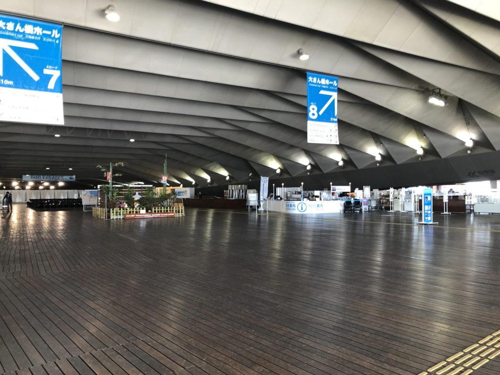 大桟橋ターミナル右側