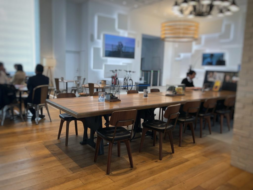 cafe 1886 at Boschの大きなテーブル席