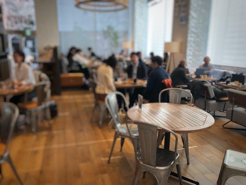 cafe 1886 at Boschの奥のソファ席など