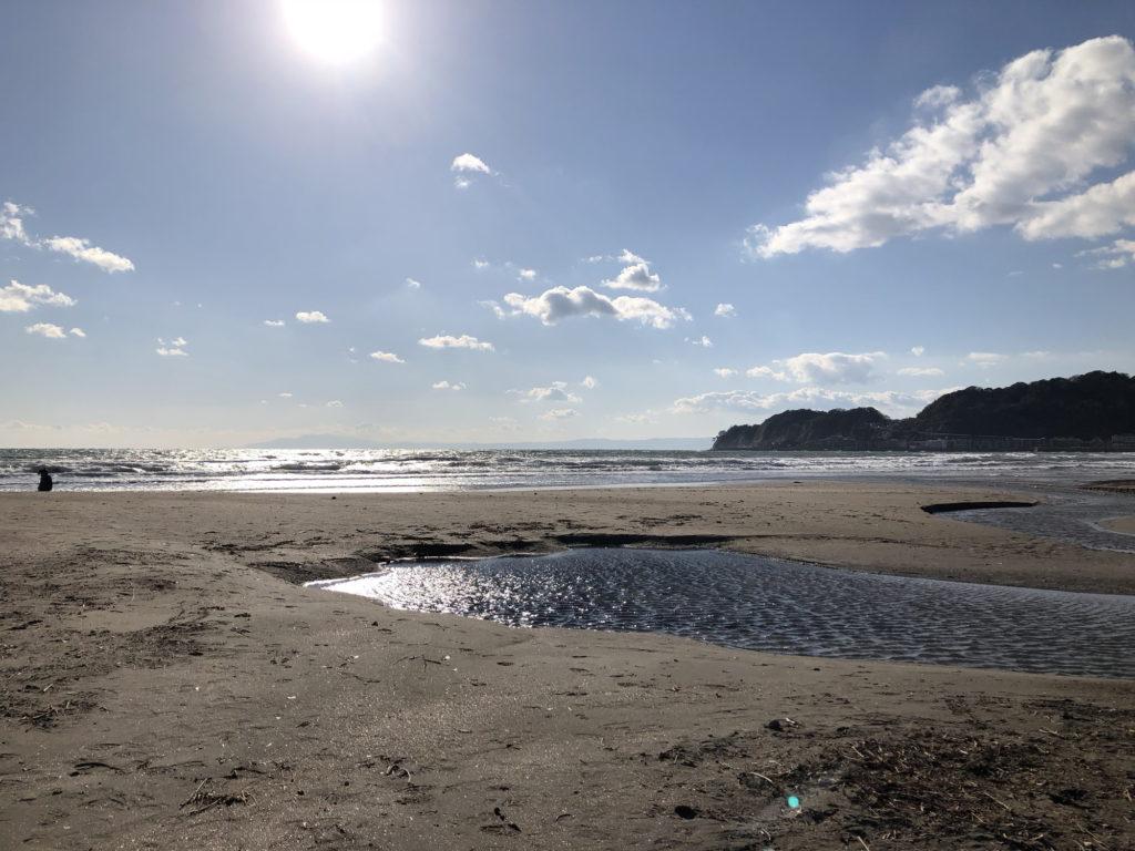材木座海岸で見る海