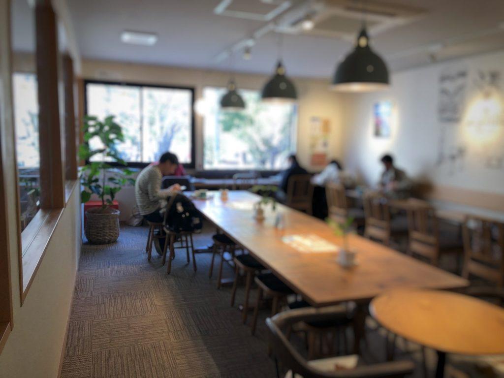 Oki Oki Cafe店内2階手前の席その2