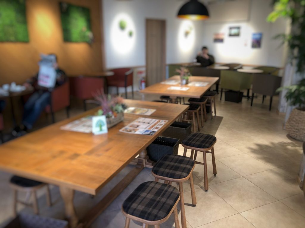 Oki Oki Cafeの店内1階席