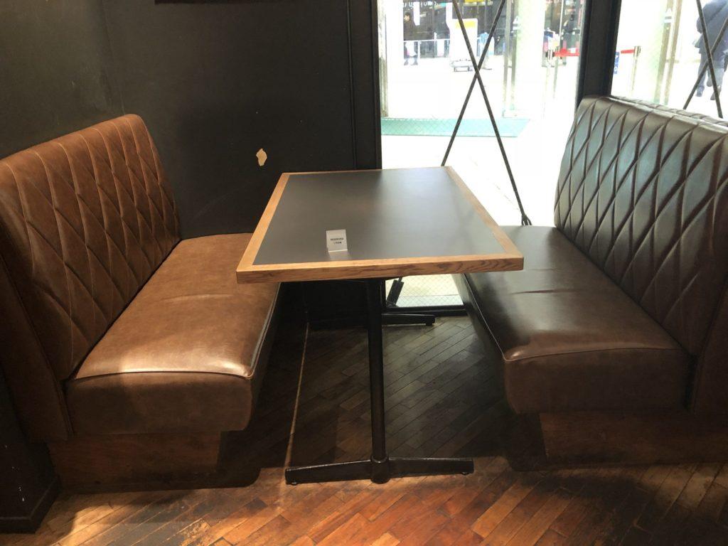 ワイアードカフェ 武蔵小杉東急スクエア店の落ち着けるソファ席