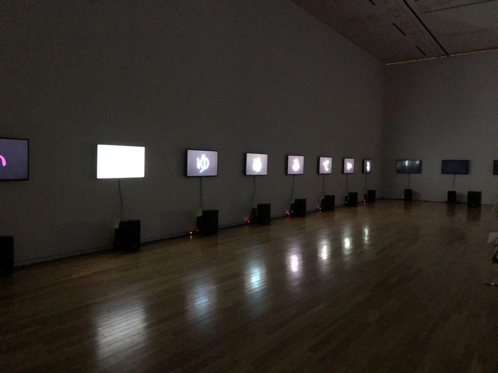 谷川俊太郎展の音と映像を使った展示その2