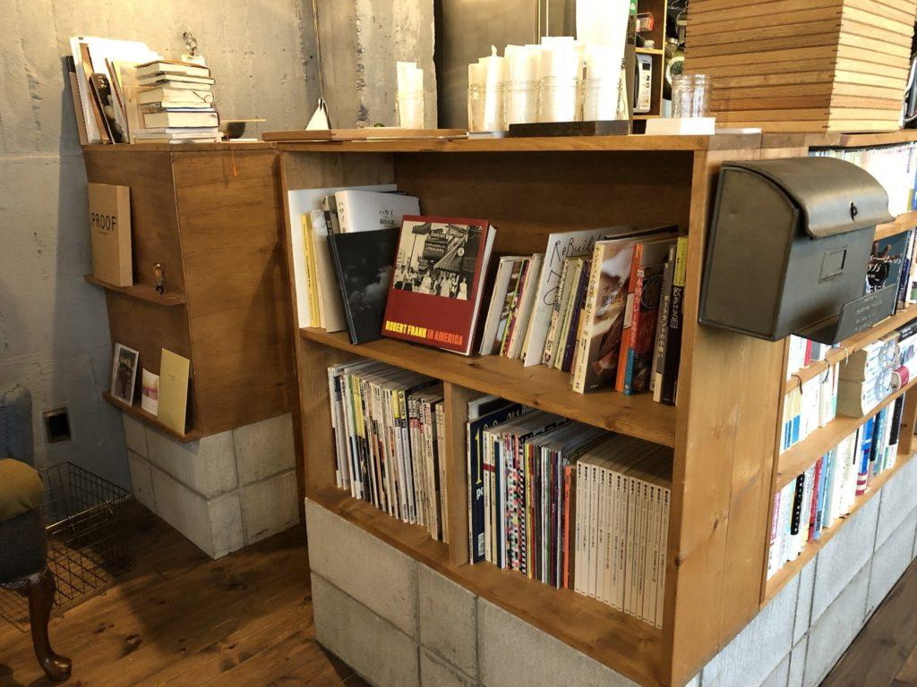 fuzkue(フヅクエ)厨房の本棚その1