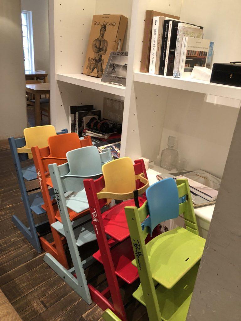 RHカフェ(ロンハーマンカフェ)の子ども用の椅子
