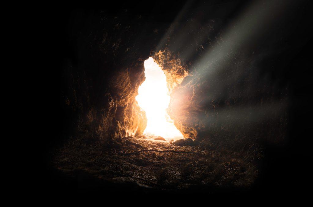 洞窟 外からの光